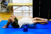 using-stretching-poles-to-improve-posture